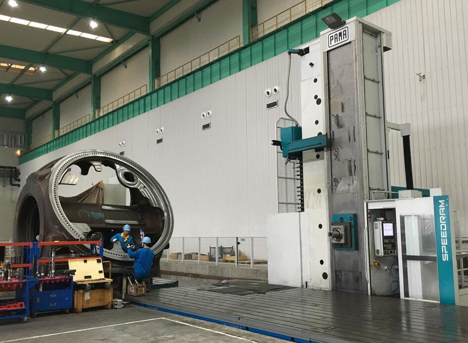 Large Machining case- hub of wind turbine