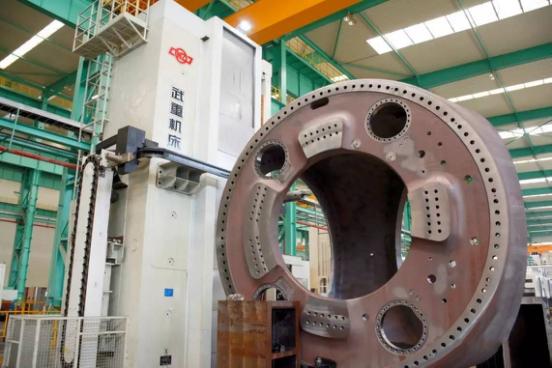 Wind turbine hub casting and machining case